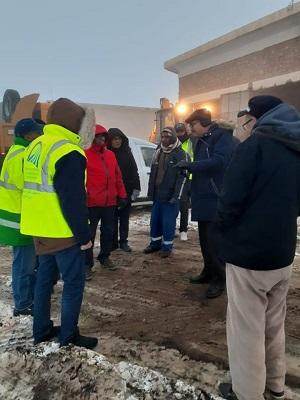 عامل الإقليم يتفقد حاجز الثلج بايت وافلا ويلتقي باطر وعمال التجهيز المرابطين بالمكان.