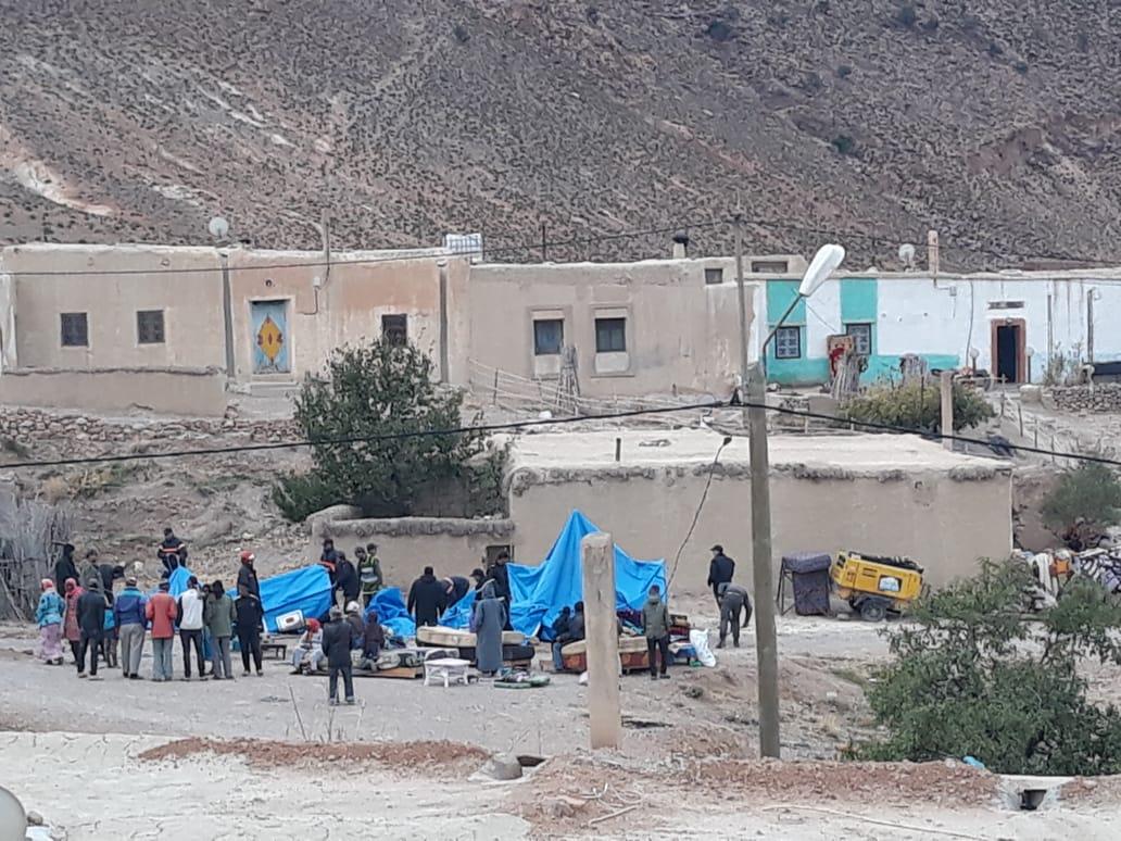 عاجل و خطير. عقاب جماعي لساكنة اعياط بسبب الاحتجاج ،واسقاط الخيام على رؤوس اللاجئين