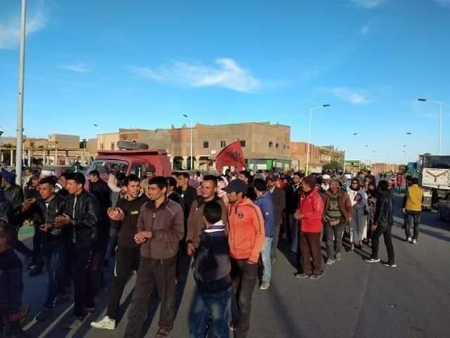 مندوبة الصحة بميدلت تستجيب لطلب المحتجين بكرامة؛ وتكلف طبيبة بالعمل هناك.