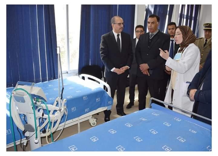 عامل الإقليم يتفقد استعدادات و غرف العزل بالمستشفى الإقليمي بميدلت.