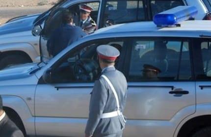 دورية أمنية بايت عياش تعتقل شخصا خرق قانون حالة الطوارىء الصحية.