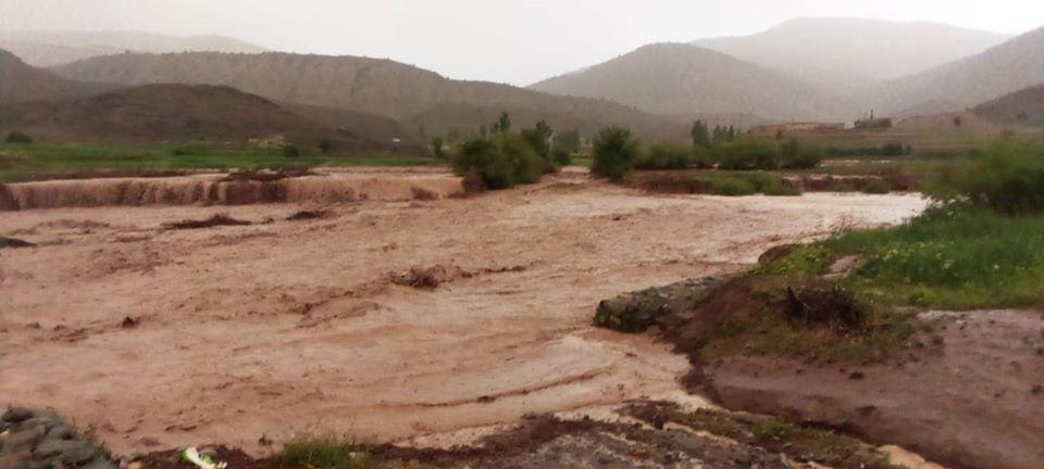 أمطار رعدية تغرق مناطق بجماعة أكديم.