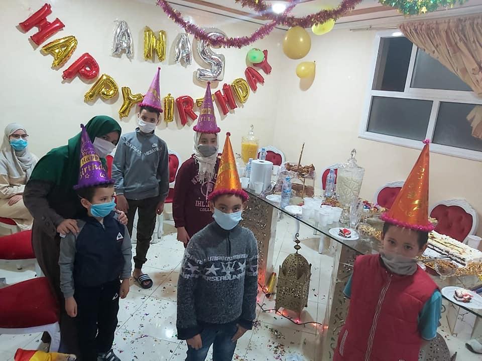 عمالة ميدلت تنظم عيد ميلاد لطفل في فترة نقاهة.