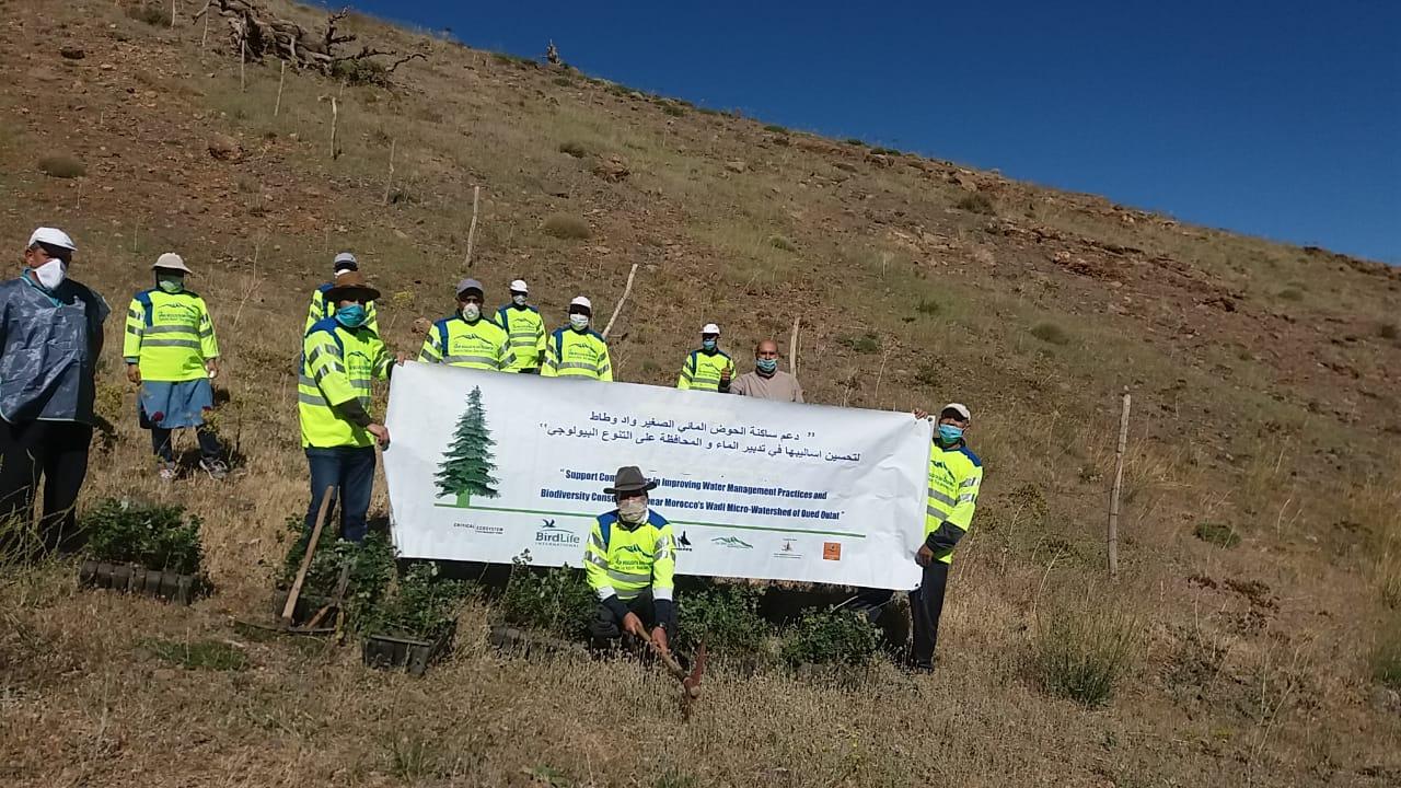 جمعية ملوية العليا بيئة -ميدلت تحيي يوما بيئيا بامتياز على سفح جبل العياشي
