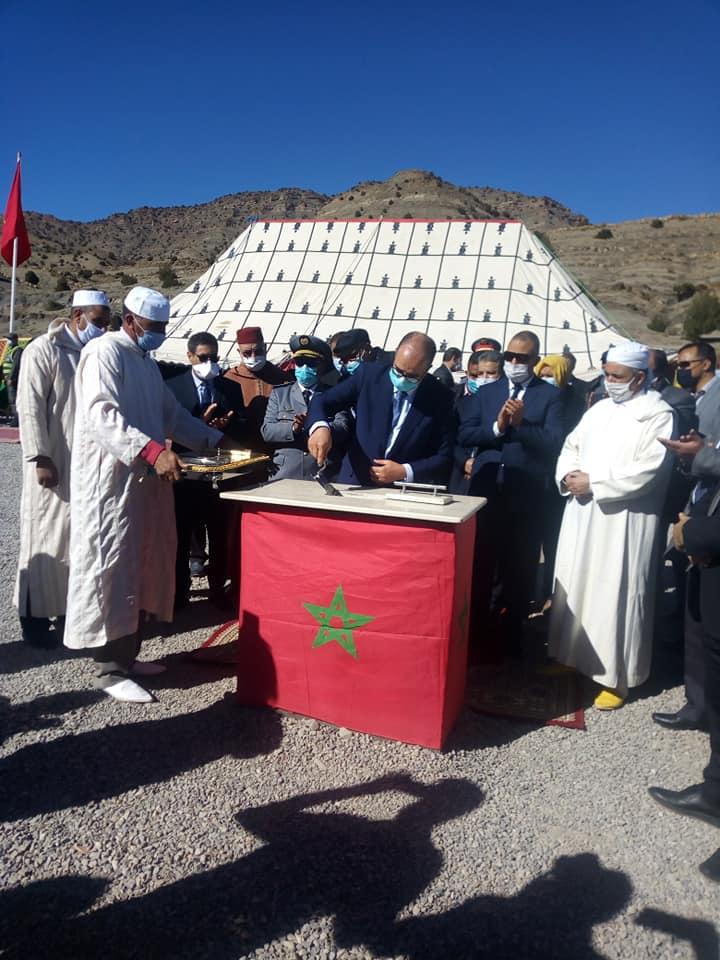 عامل اقليم ميدلت يعطي الانطلاقة لمشاريع تنموية بمناسبة عيد الاستقلال .